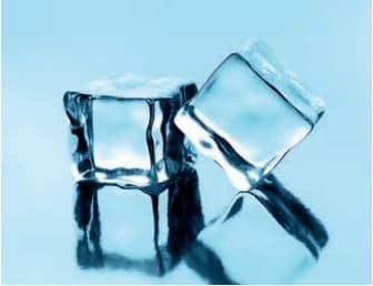 Normal atmosfer basıncında 0 °C ve altındaki sıcaklıklarda katı hâlde olan saf su